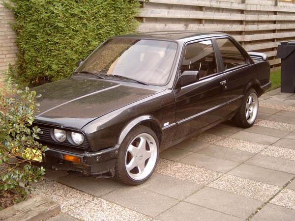 BMW 325i 1 600